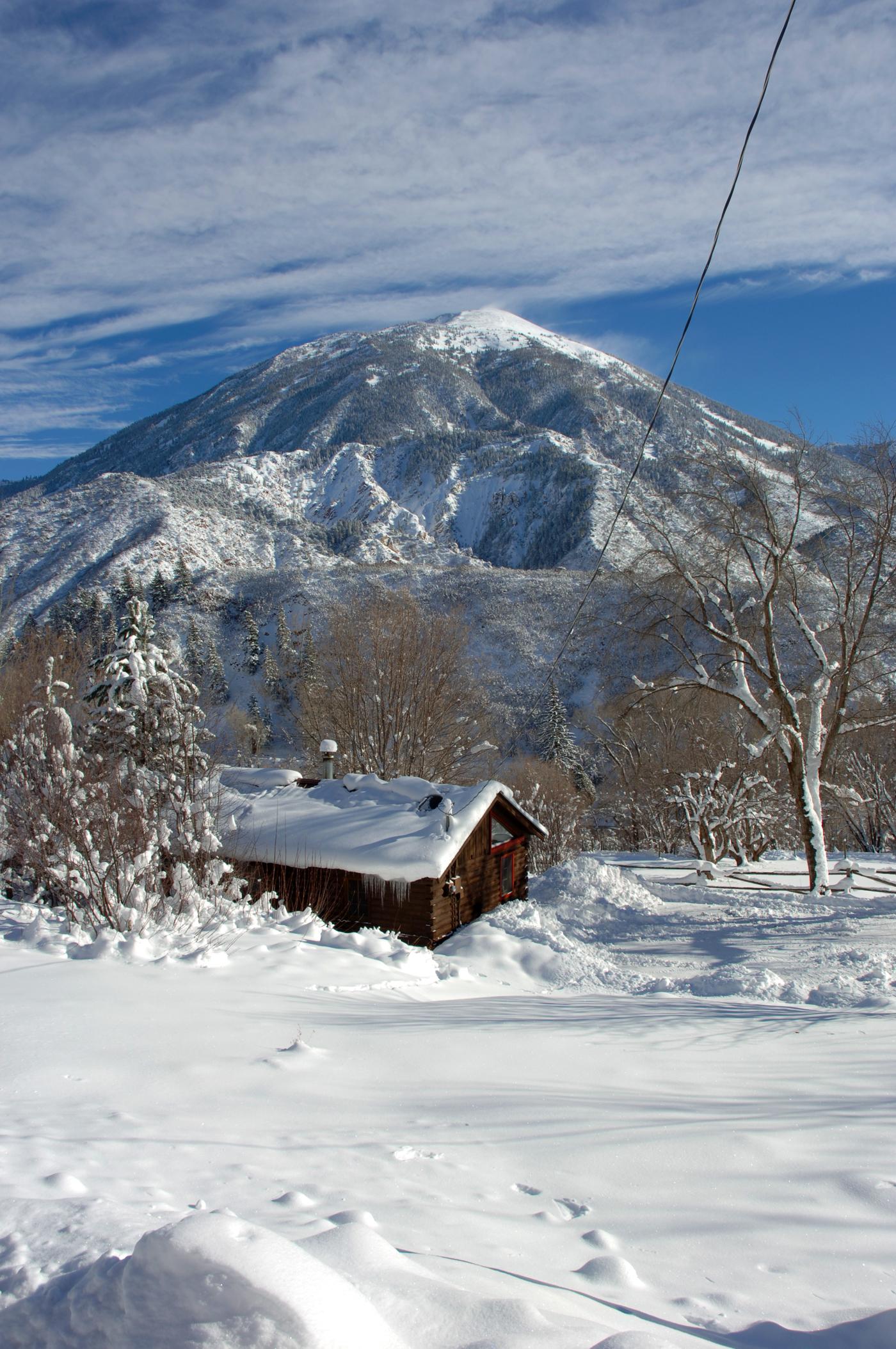 Cabin.11. avalanche. ranch